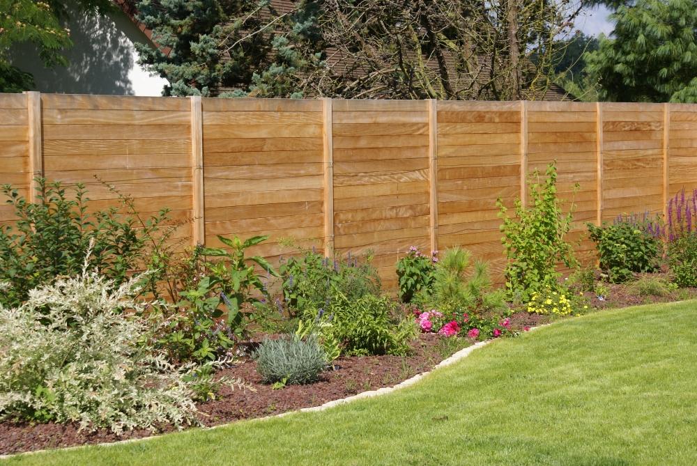 Lecomte hydrobulles cl tures portails for Separation bois pour jardin