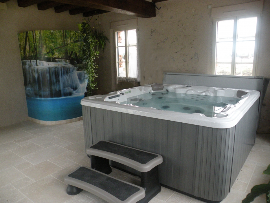 Lecomte hydrobulles spas cabines infrarouges saunas for Ventilation spa interieur