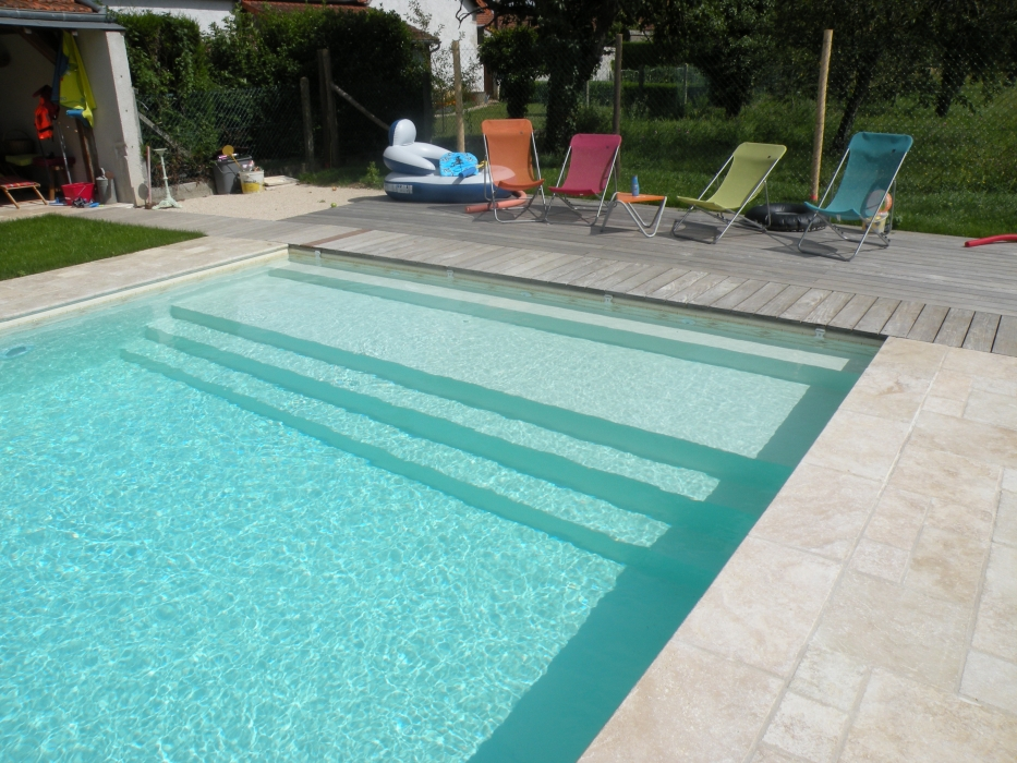 Lecomte hydrobulles piscines traditionnelles for Piscine 8x4 avec plage