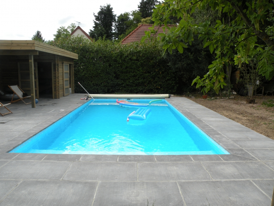 Lecomte hydrobulles piscines traditionnelles for Construction piscine traditionnelle